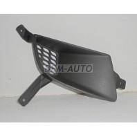 Решетка бампера переднего правая черная