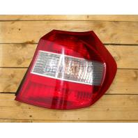 E87  Фонарь задний внешний правый (DEPO) красно-белый