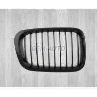 E46  Решетка радиатора правая полностью черная