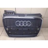 Audi a4 Решетка радиатора хромированно-серая
