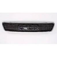 Audi a4 Решетка радиатора черная с хромированным молдингом