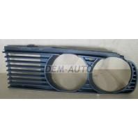 Решетка радиатора левая