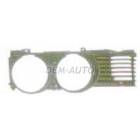 E32  Решетка радиатора правая
