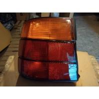 E34 Фонарь задний внешний правый желто-красный (Depo)
