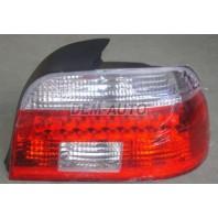E39  Фонарь задний внешний правый с диодным габаритом прозрачный хрустальный красно-белый