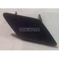 F30  Крышка форсунки омывателя фары правая