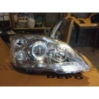 Vito  Фара правая линзованная с регулировочным мотором (ксенон) на Mercedes Vito - W639