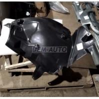 W204 Подкрылок переднего правого крыла задняя часть