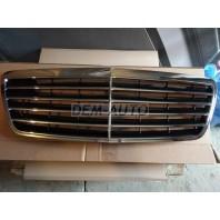W210 Решетка радиатора хромированно-черная