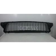 Duster  Решетка бампера передняя черная