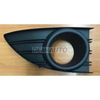 Fluence  Решетка бампера передняя правая с отверстием под противотуманку черная
