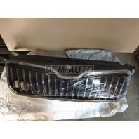 Superb  Решетка радиатора с хромированным молдингом (Китай)