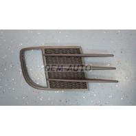 Golf {gti}  Решетка бампера передняя правая с отверстием под противотуманку {GTI}