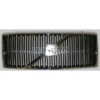 940 {960}  Решетка радиатора хромированная-черная