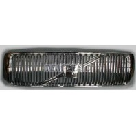 960 {s90 97-}  Решетка радиатора хромированная