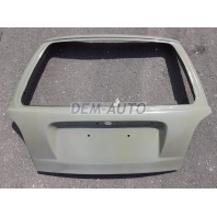 Крышка багажника без отверстия под стеклоочиститель с отверстиями под верхний молдинг