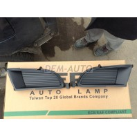 Lancer  Решетка бампера переднего правая без отверстия под противотуманку черная