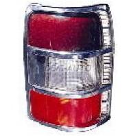 Pajero  Фонарь задний внешний правый с черной рамкой, трехцветный