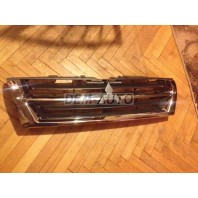 Pajero  Решетка радиатора хромированно-черная