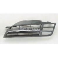 Micra  Решетка радиатора левая черно-хромированная