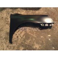 Avensis  Крыло переднее правое без отверстия под повторитель